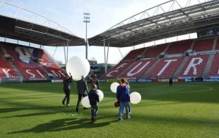 Ballonverstrooiing FC Utrecht stadion de Galgenwaard